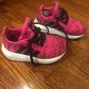 👟ADIDAS Toddler Girl SWIFT RUN Sneaker VERY GOOD